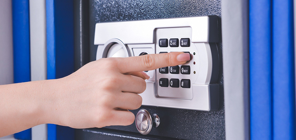 Can a Locksmith Open a Locked Safe