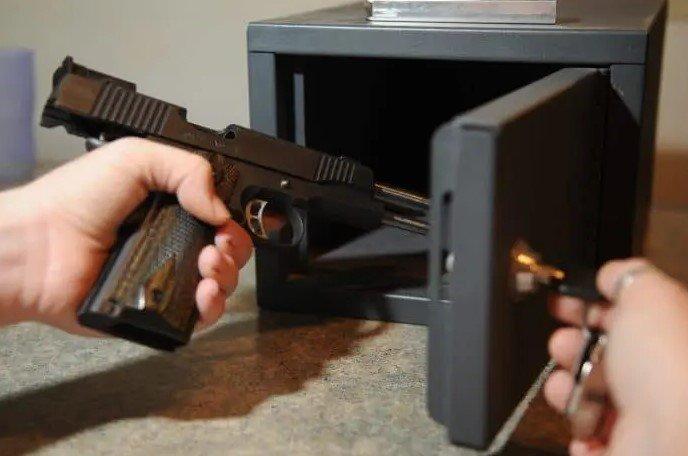 Disadvantages of Having a Hidden Gun Safe