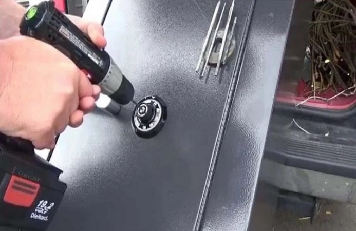 Is it Easy to Break into a Gun Safe?
